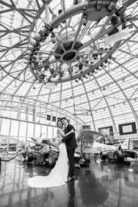 Hochzeitsfotograf in und um Salzburg - Hangar 7