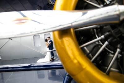 Hochzeitsfotograf Salzburg im Hangar 7